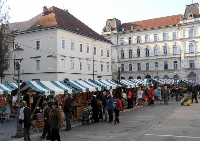 Mercado en Plaza Vodnik (Foto: Simonetta Di Zanutto)