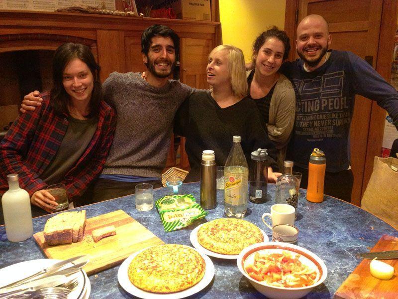 Linsay, Miguel, Marie, Marta y Clemens con mi primera cena