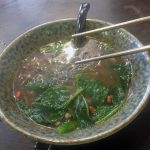 Fideos de arroz con verduras en otra comida