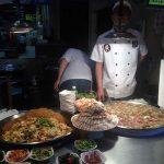 Restaurante en el mercado nocturno de la calle Raohe