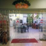 La entrada al restaurante tai de Wujie, de los padres de Michael