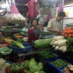 Puesto de verduras en el mercado de Wujie