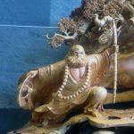 Increíble figura tallada en madera