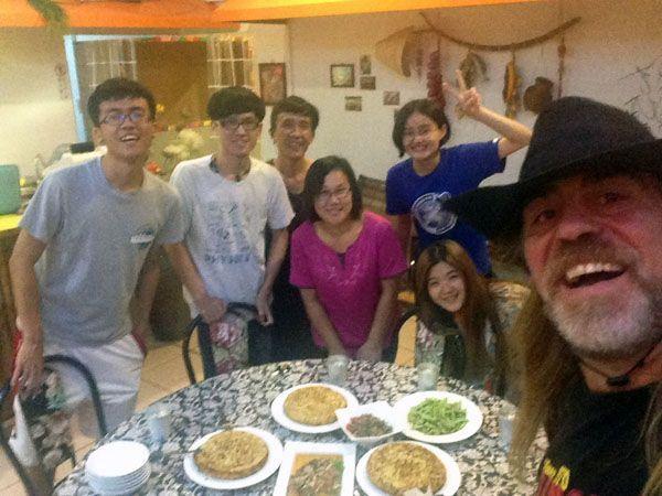Michael con su familia, Rocío y Leticia en Yilan (Taiwán)